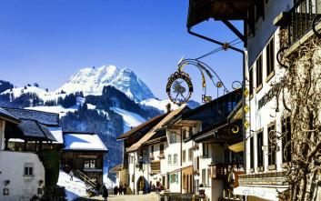 Το μεσαιωνικό χωριό που είναι διάσημο για τους μύθους και το τυρί του