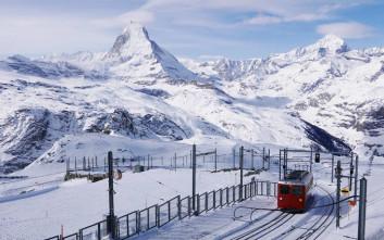 Νεκροί 20 επιβάτες αεροσκάφους που κατέπεσε στις ελβετικές Άλπεις