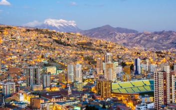Παζάρια μαγισσών και αποικιακά κτίρια στη ψηλότερη πρωτεύουσα του κόσμου