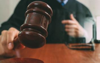 Δικαστής επικαλείται τον… Θεό σε υπόθεση σεξουαλικής εκμετάλλευσης παιδιού