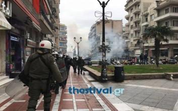 Επεισόδια στην Πλατεία Ναυαρίνου στο κέντρο της Θεσσαλονίκης