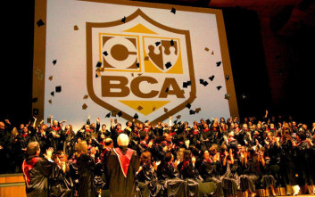Ολοκλήρωσε το πρώτο έτος σπουδών σε ένα εξάμηνο στο BCA College