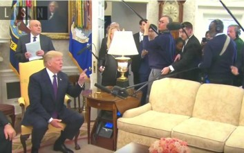 Τραμπ σε δημοσιογράφο του CNN στον Λευκό Οίκο: Βγες έξω!