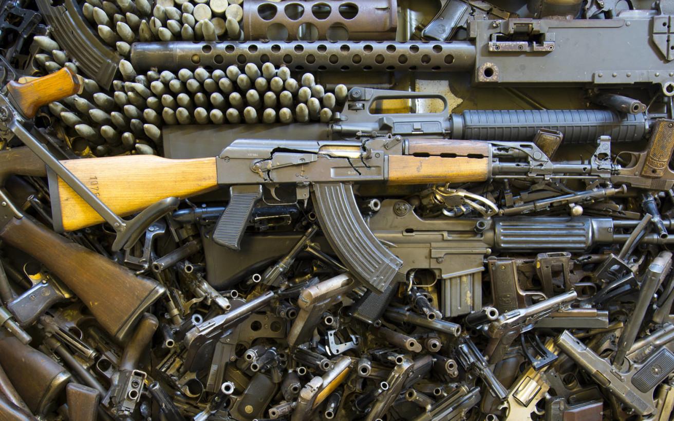 Πώς μπορεί να γίνει κάποιος έμπορος όπλων;