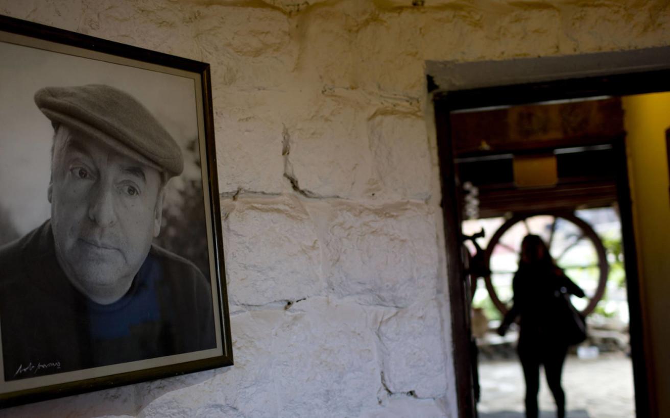 Το θρίλερ με το θάνατο του Πάμπλο Νερούδα που κρατάει 45 ολόκληρα χρόνια