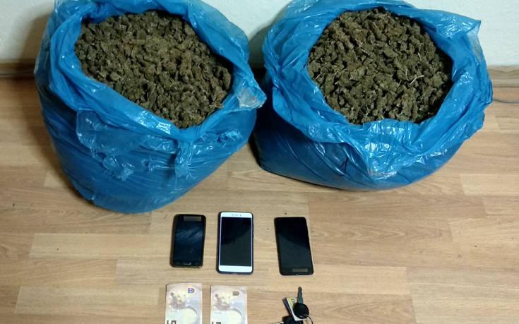 Με 10 κιλά χασίς συνελήφθησαν τρία άτομα στην Καστοριά