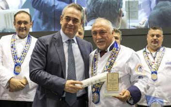 Παγκόσμιος Πρεσβευτής της Ελληνικής Γαστρονομίας ο Μίλτος Καρούμπας