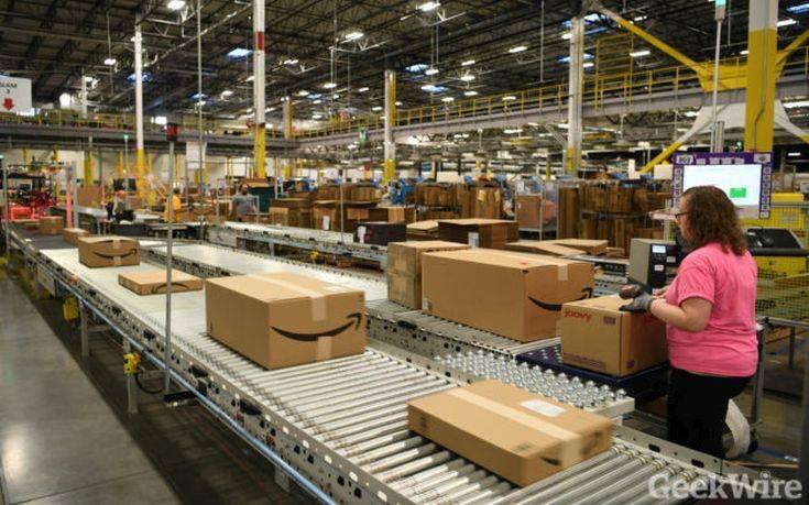 Σάλος με το ηλεκτρονικό βραχιόλι που θέλει να φορέσει η Amazon στους εργαζόμενους της