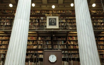 «Η μεγαλύτερη μετακόμιση βιβλίων στην ιστορία της Ελλάδας»
