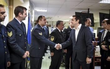 Τσίπρας σε κυβερνήτη του «Γαύδος»: Έδειξες ψυχραιμία και η ψυχραιμία είναι γενναιότητα