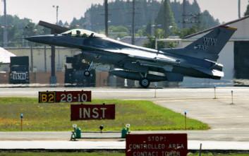 αμερικανικό F-16 Ιαπωνία