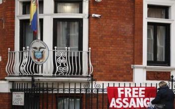 Καταγγελία WikiLeaks για σχέδιο κατασκοπείας κατά του Άσανζ