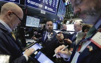 Νέοι τριγμοί στη Wall Street μετά τις ανακοινώσεις Τραμπ