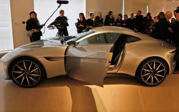 Ο Ντάνιελ Κρεγκ βγάζει στο σφυρί την αγαπημένη του Aston Martin