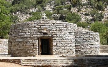 Ο «Άγιος Βαλεντίνος» της Κρήτης είναι ο Άγιος Υάκινθος