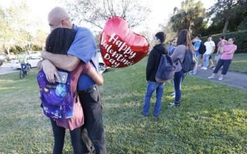 Δεκαοκτώ περιστατικά πυροβολισμών σε σχολεία στις ΗΠΑ μέσα σε 45 μέρες