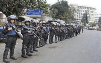 Δακρυγόνα κατά οπαδών της αντιπολίτευσης στο Μπαγκλαντές