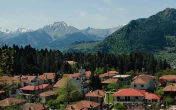 Παραμυθένια δάση και χιονισμένες βουνοκορφές στην Ελάτη