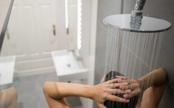 Πώς να μην μυρίζει άσχημα ένα μπάνιο χωρίς παράθυρα