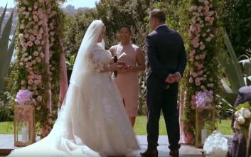 Γαμπρός κλαίει τη μοίρα του όταν βλέπει τη νύφη για πρώτη φορά στη ζωή του
