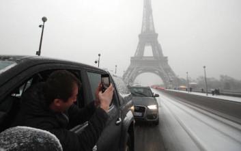 Μποτιλιάρισμα γιγαντιαίων διαστάσεων στη Γαλλία λόγω χιονιού