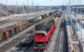 Το ρώσικο τρένο που σταματά αποκλειστικά για ένα… σχολιαρόπαιδο
