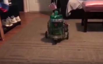 Ρομπότ μπύρας στη φέρνει στο ποτήρι