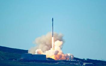 Οι οπαδοί της επίπεδης Γης αμφισβητούν τη live εκτόξευση της SpaceX