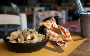 Νόστιμες και οικονομικές προτάσεις για γευστική έξοδο με την παρέα
