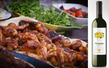 Τραπέζι με καλούς φίλους, εκλεκτό φαγητό και κρασιά από την γκάμα της Ελληνικά Κελλάρια Οίνων