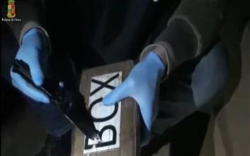 Βρέθηκαν 300 κιλά κοκαΐνης στο ελληνόκτητο πλοίο στη Γένοβα
