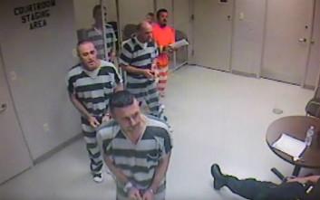 Ο δεσμοφύλακας που για χάρη του βγήκαν οι κρατούμενοι από το κελί μιλά για την εμπειρία του