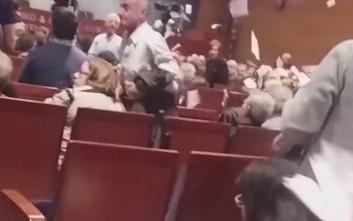 Το βίντεο του Ρουβίκωνα από τη διακοπή της ομιλίας Τσακαλώτου