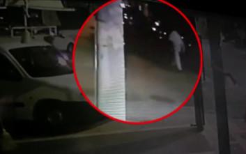 Στο μικροσκόπιο των αρχών βίντεο με τον άνδρα που φέρεται να πέταξε το μωρό στον κάδο