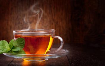 Πώς συνδέεται το πολύ ζεστό τσάι και ο καρκίνος του οισοφάγου