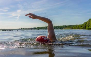 Το κολύμπι μπορεί να προκαλέσει προβλήματα υγείας