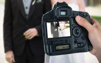 Μόλις είδαν τι τράβηξε ο φωτογράφος στο γάμο τους του έκαναν μήνυση