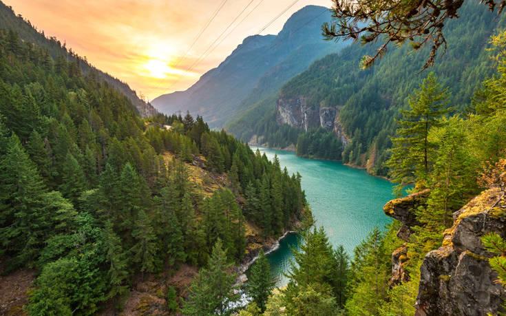 Εντυπωσιακές εικόνες στις Άλπεις της Βόρειας Αμερικής