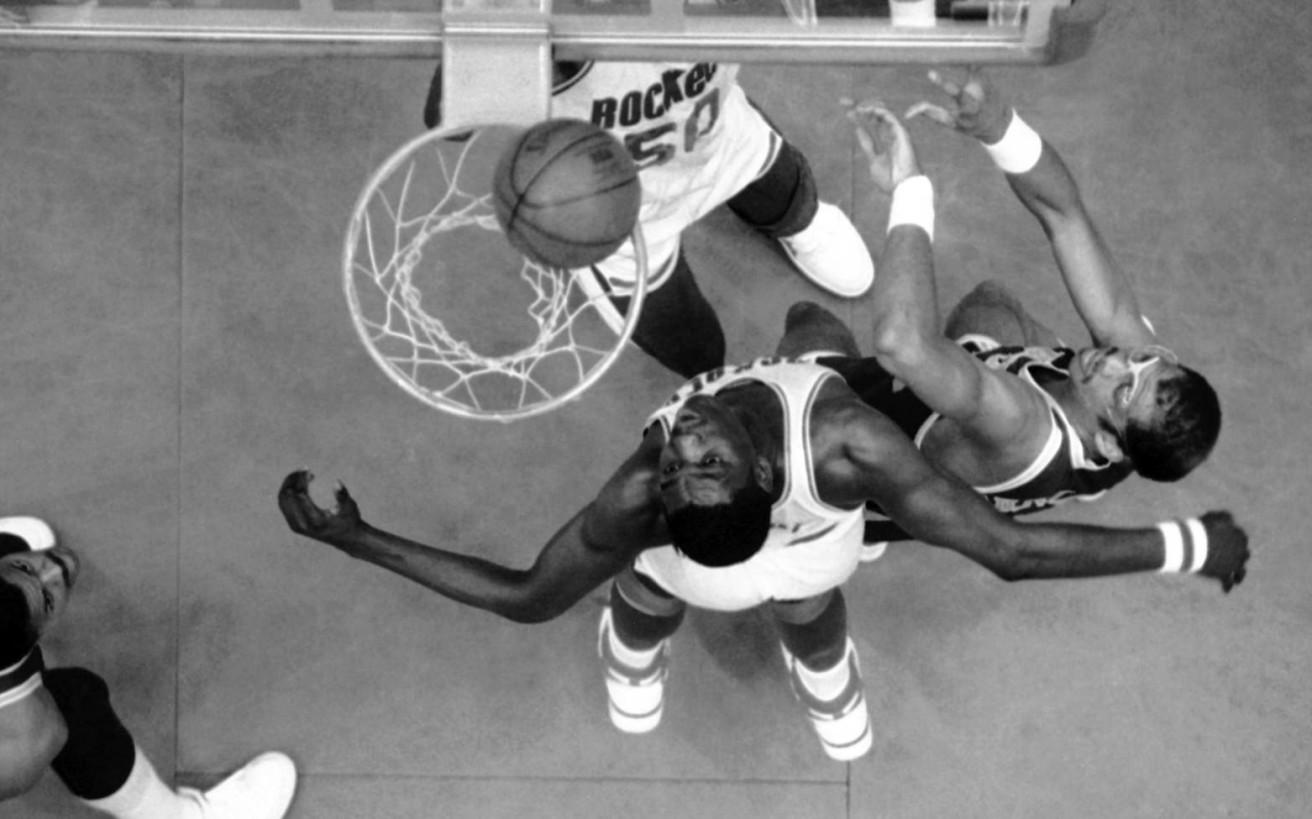 Ο μπασκετμπολίστας που έσπασε τα κοντέρ στο ΝΒΑ, αλλά έκανε 18 χρόνια να σημειώσει τρίποντο