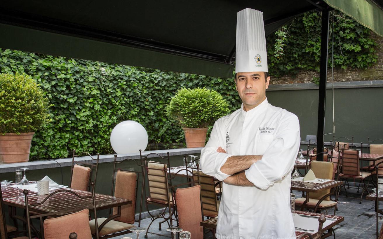 Ο σεφ που παντρεύει την ελληνική κουζίνα με την ευρωπαϊκή