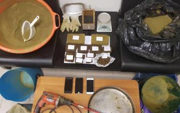 Καφενείο στην Κρήτη είχε μετατραπεί σε εργαστήριο κατεργασίας ναρκωτικών