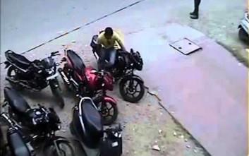Η ασύλληπτη ιδέα ενός άνδρα για να κλέψει ένα μηχανάκι