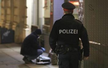 Άγνωστα παραμένουν τα κίνητρα των χθεσινοβραδινών επιθέσεων στη Βιέννη