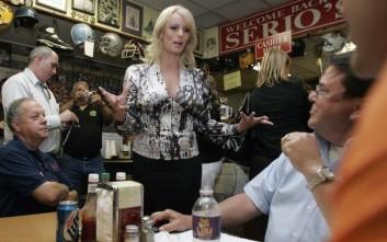 Ο δικηγόρος του Ντόναλντ Τραμπ αδιαφορεί για την διορία της Στόρμι Ντάνιελς