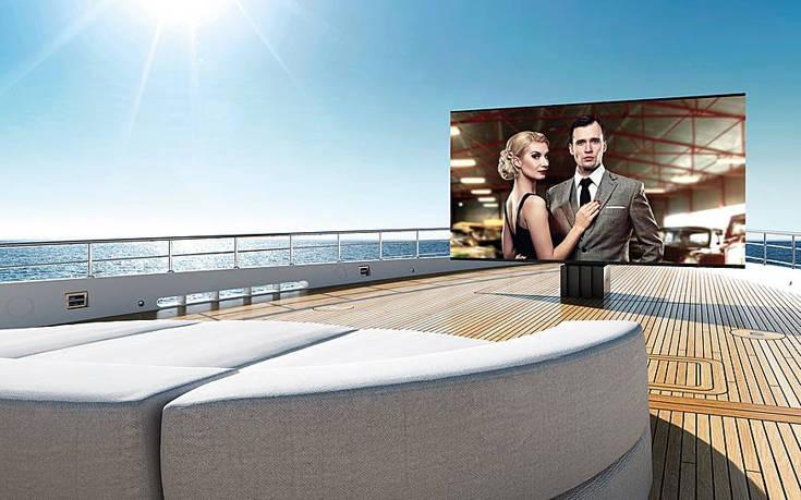 Η τηλεόραση εξωτερικού χώρου που ξεδιπλώνεται σε λιγότερο από 1 λεπτό