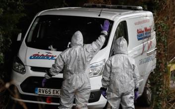 Τζόνσον: Η Μόσχα αποθηκεύει νευροτοξικό δηλητήριο όπως αυτό της επίθεσης στον Σκριπάλ