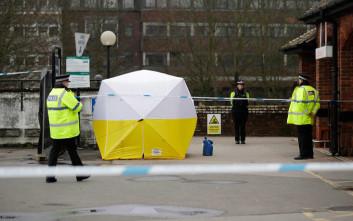 Η Βρετανική αντιτρομοκρατική περιπλέκει την υπόθεση με το ζευγάρι στο Γουίλτσιρ