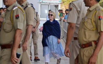 Νέο ατύχημα για τη Χίλαρι Κλίντον, γλίστρησε στη μπανιέρα ξενοδοχείου
