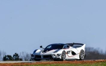 Πώς είναι να οδηγείς μια Ferrari 3 εκατ. ευρώ στην πίστα;