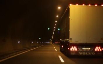 Νεκρός οδηγός νταλίκας στον Ασπρόπυργο - Βρέθηκε πυροβολημένος στην καμπίνα